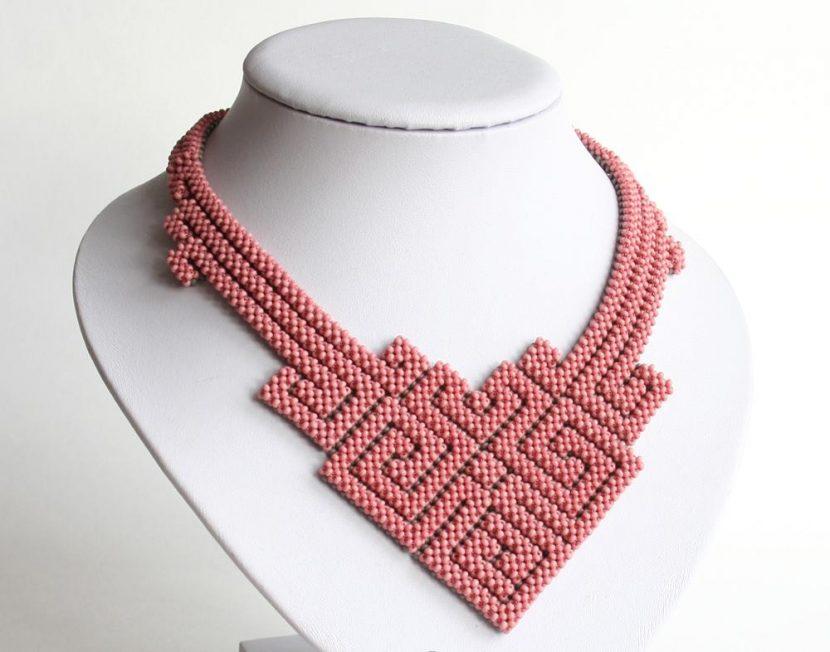 плетенное украшение