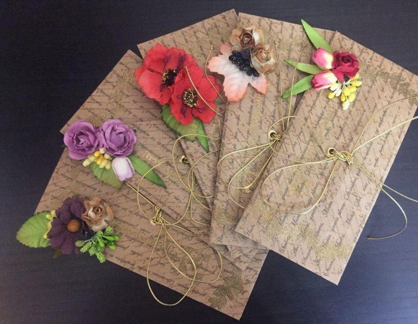 цветы и конверт