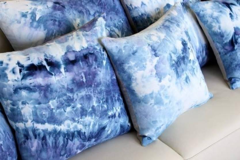 Красивые диванные подушки фото