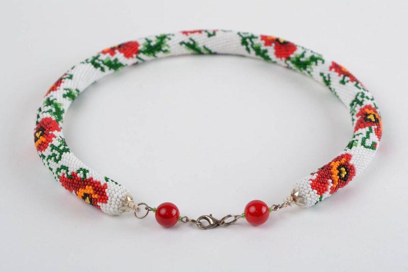 Магия утонченной красоты: уроки плетения ожерелья из бисера своими руками