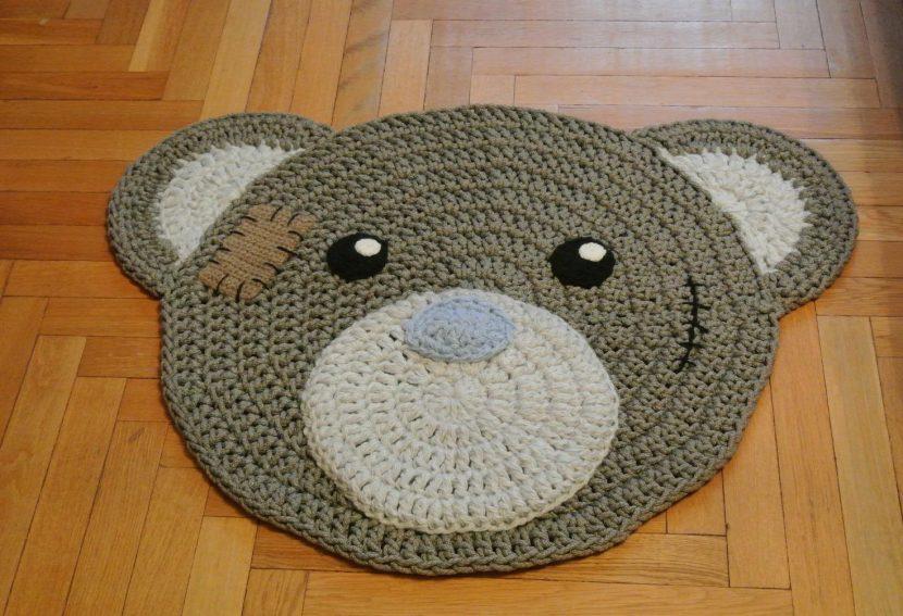 детский коврик мишка из трикотажной пряжи