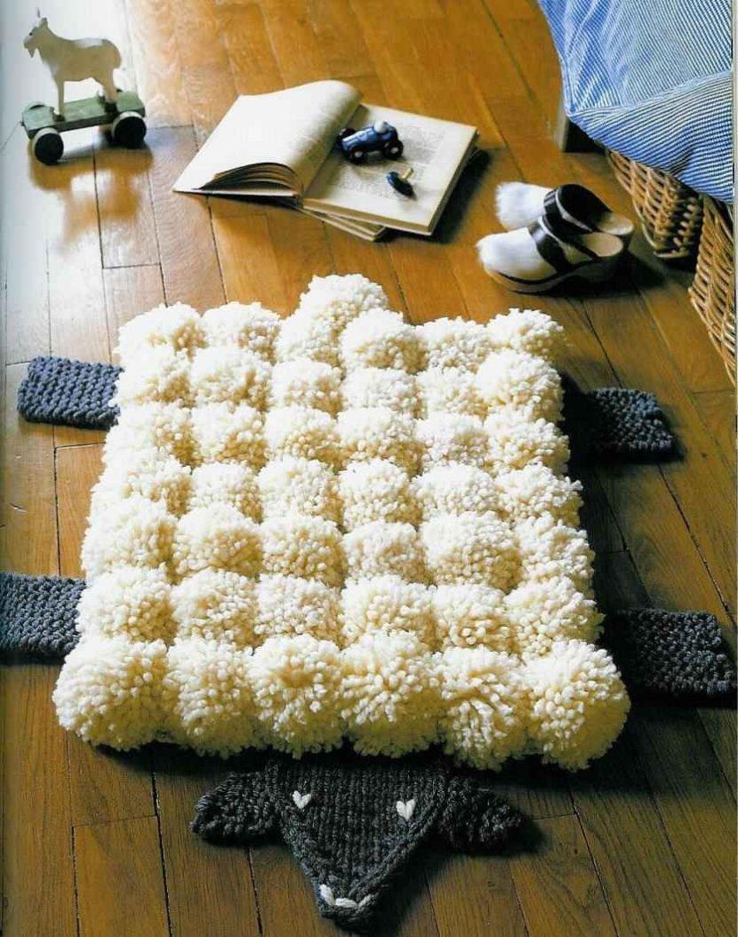 коврик из пампонов